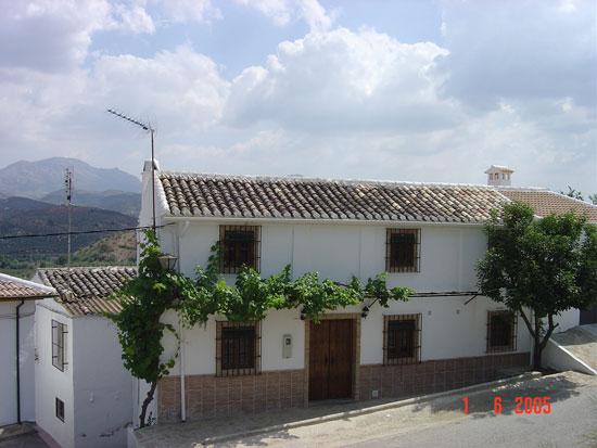 Cuesta de la torre casa rural en zagrilla baja c rdoba for Fotos de fachadas de casas andaluzas