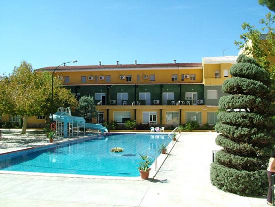 Hotel r o piscina hotel en priego de c rdoba turismo for Hotel con piscina en cordoba