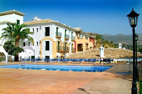 Hotel rural huerta de las palomas hotel en priego de for Hotel rio piscina priego de cordoba